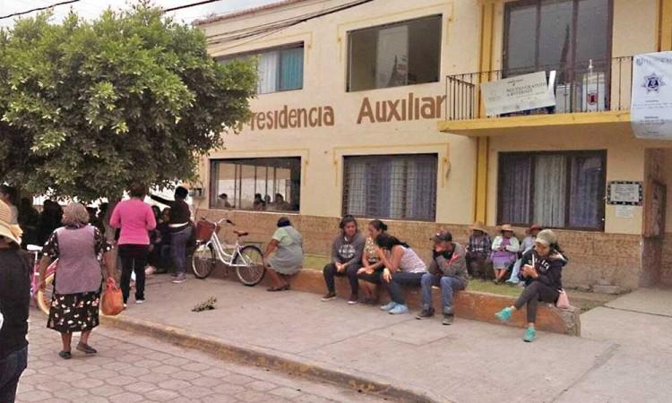 Efervescencia por juntas auxiliares en municipios poblanos