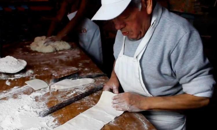 Don Juanito, el último maestro tahonero de la Sierra Norte