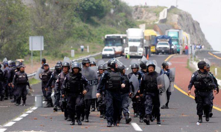 Exigen 50 ONG's a legisladores obedecer a la CNDH