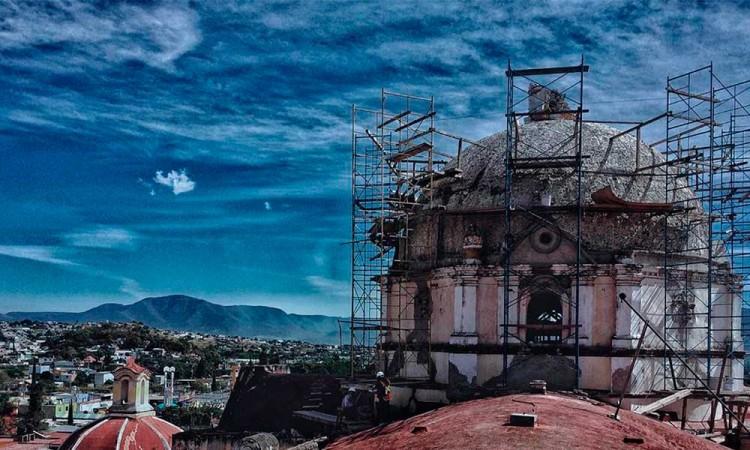 Avanza reconstrucción de templos tras sismo del 19S