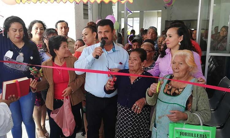 Reabren estancia para abuelitos en Petlalcingo