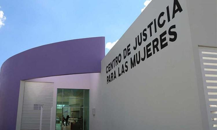 Rechazan Centro de Justicia para Mujeres en Acatlán