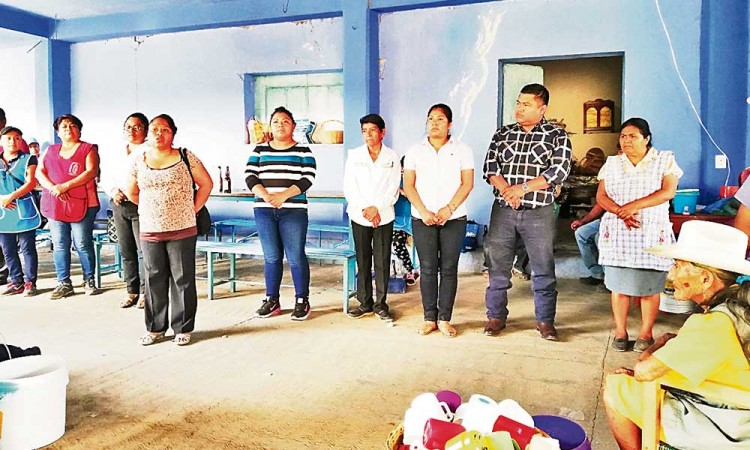 Presentan mayordomía en Xayacatlán