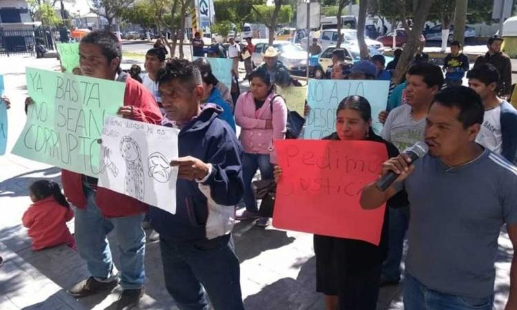 Protestan familiares de imputados en Casa de Justicia de Tehuacán