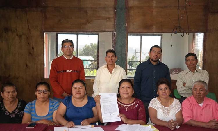 Denuncian respaldo de una planilla en Acatlán