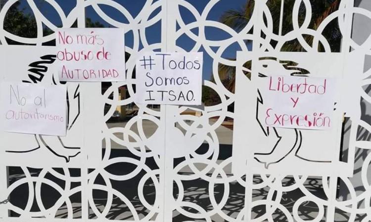 Estudiantes del Tec de Acatlán exigen salida de director