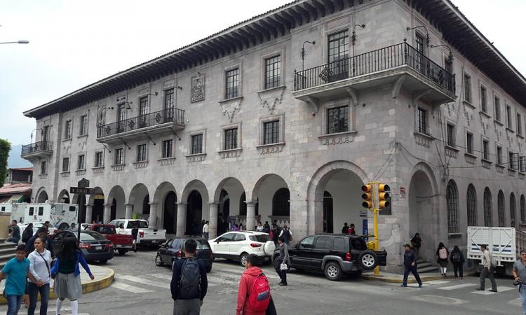 Sin aviso, cierran comedor en Teziutlán