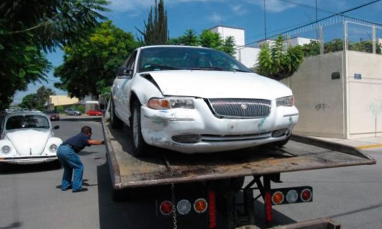 Denuncian cuotas excesivas de grúas en Tehuacán