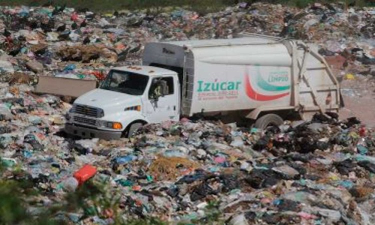 Cierre de relleno en Izúcar afecta a cuatro municipios