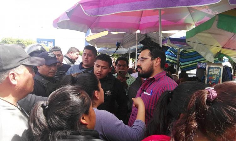 Conflicto entre ambulantes ocasiona gresca en Tehuacán