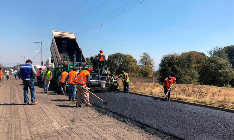 Rehabilitan caminos de emergencia rumbo al Popocatépetl