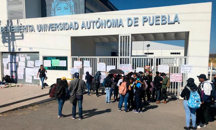 Toman Campus BUAP de Izúcar por paro estudiantil