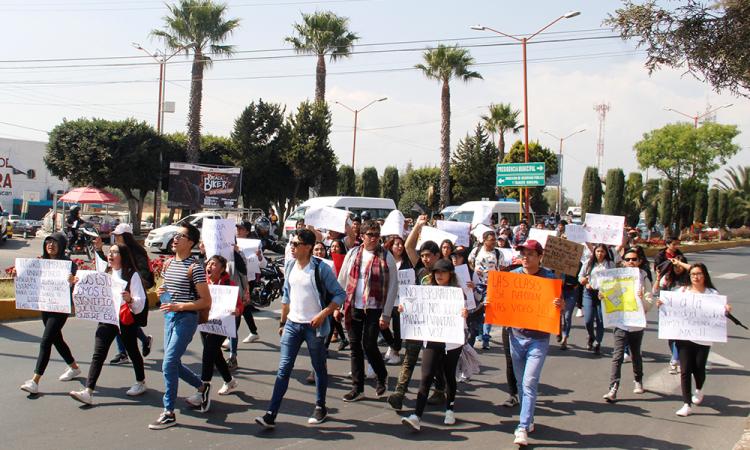 Universitarios del CERT en solidaridad con BUAP, exigen más seguridad