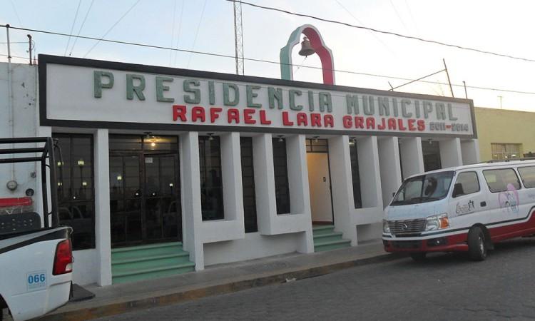 Regidores piden destitución de edil de Rafael Lara Grajales