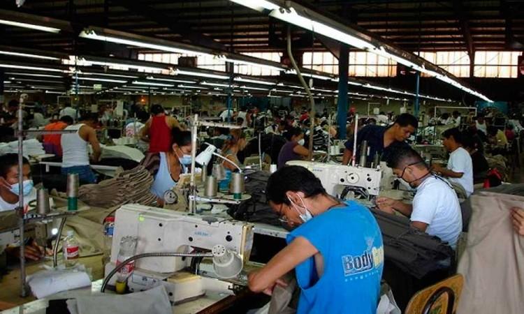 Aumenta precio de insumos para los cubrebocas en Tehuacán