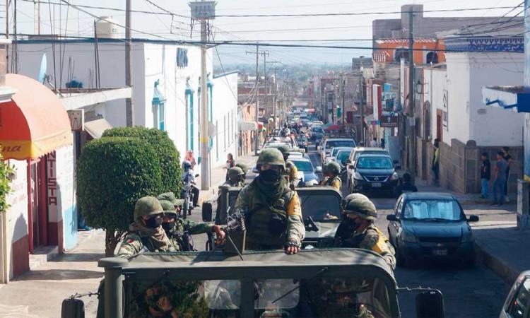 Usan a Guardia Nacional para exhortar a quedarse en casa en Tecamachalco
