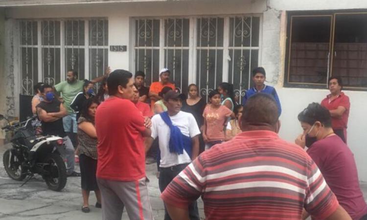 Vecinos detienen a 2 ladrones en Atlixco; querían lincharlos