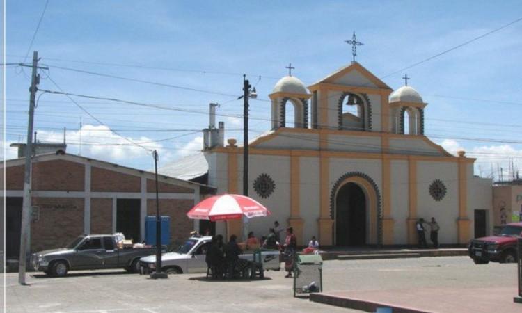 pobladores se enfrentan a Policía en Esperanza por uso de cubrebocas
