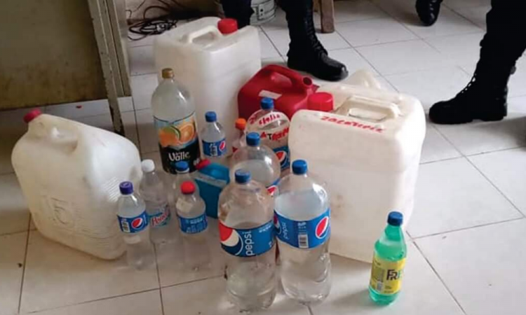 Suman 25 fallecidos por alcohol adulterado en Chiconcuautla
