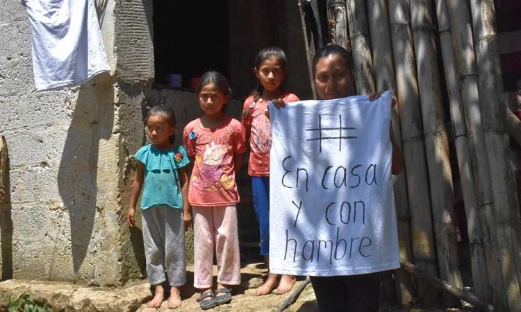Piden poblanos apoyo alimentario y médico