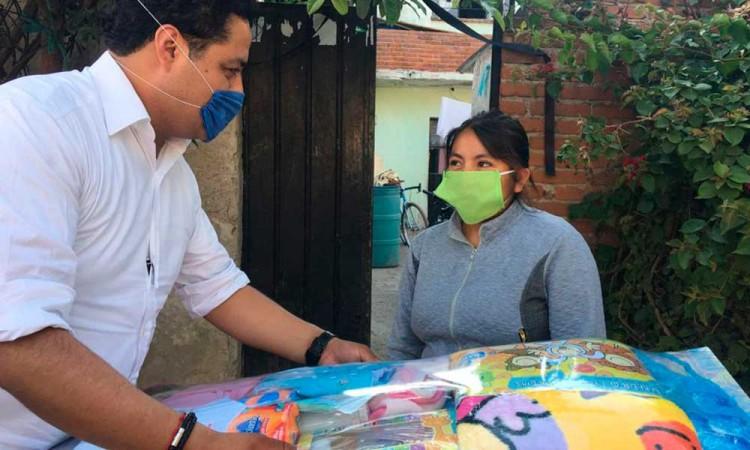 Entregan despensas a 183 familias en San Andrés Cholula