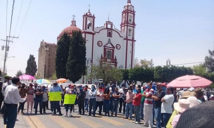 Se manifiestan en Tecali por llegada de reos al penal