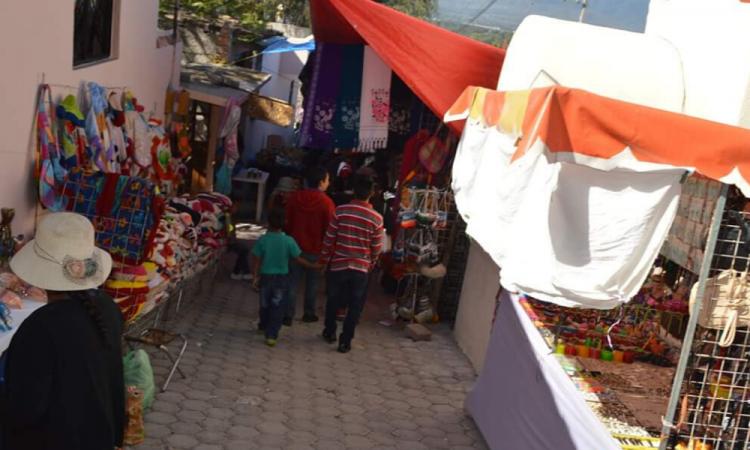 Suspenden tianguis de los lunes en Tlacotepec