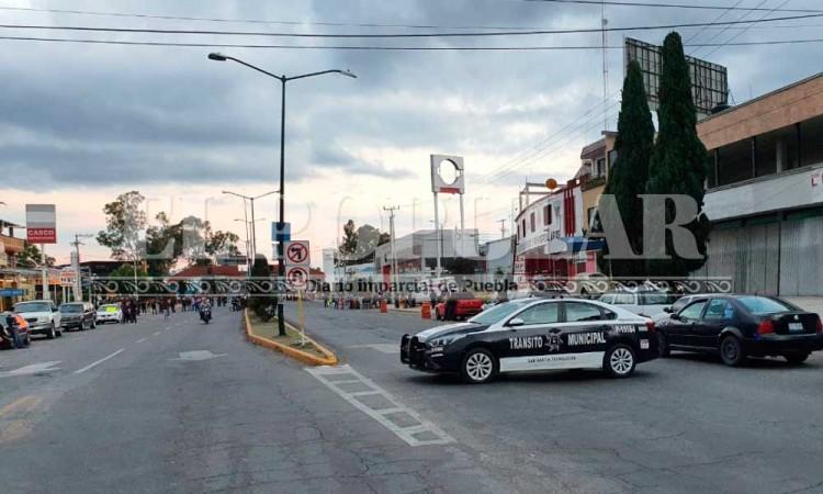 Cierran la México-Puebla para la apertura del tianguis en Texmelucan