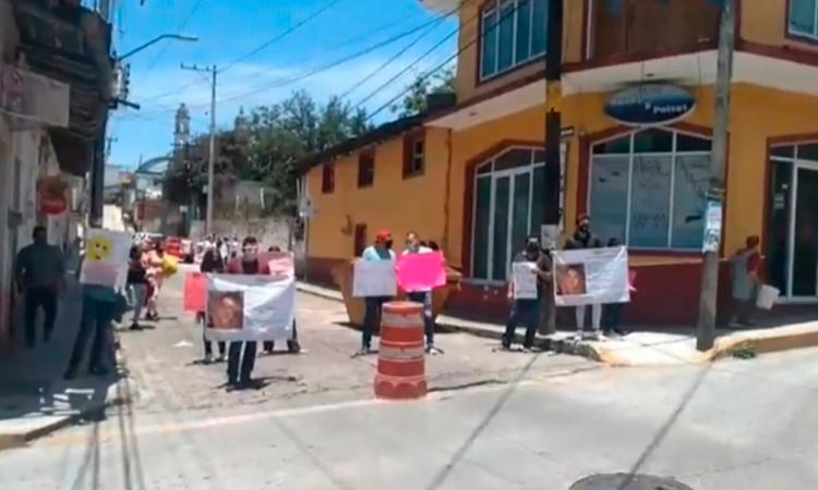 Familia de Angélica se manifiesta tras cinco meses de su desaparición