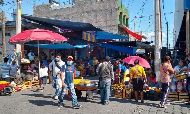 Reactivan tianguis de La Purísima en Tehuacán con 30 % de comerciantes