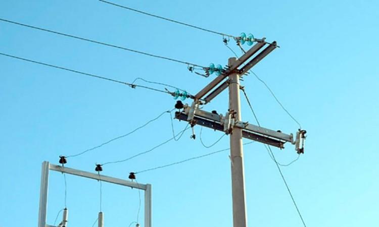 Albañil se electrocuta en Teziutlán