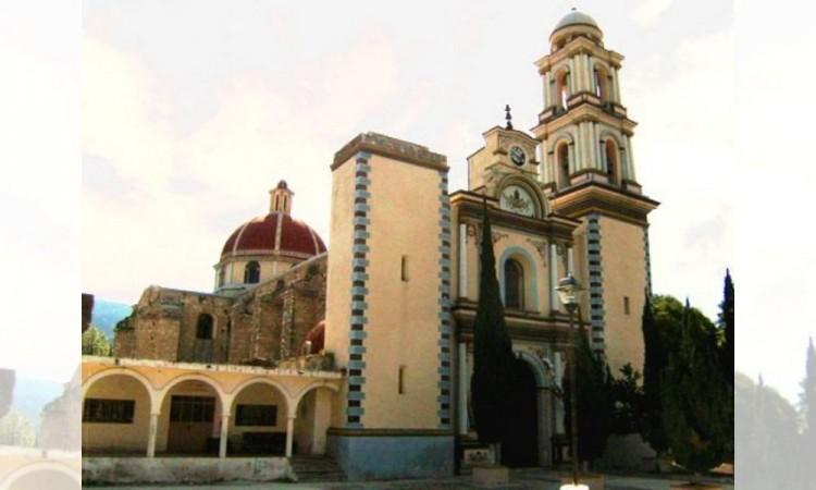 Cierran iglesia de Chapulco tras registrar daños por sismos