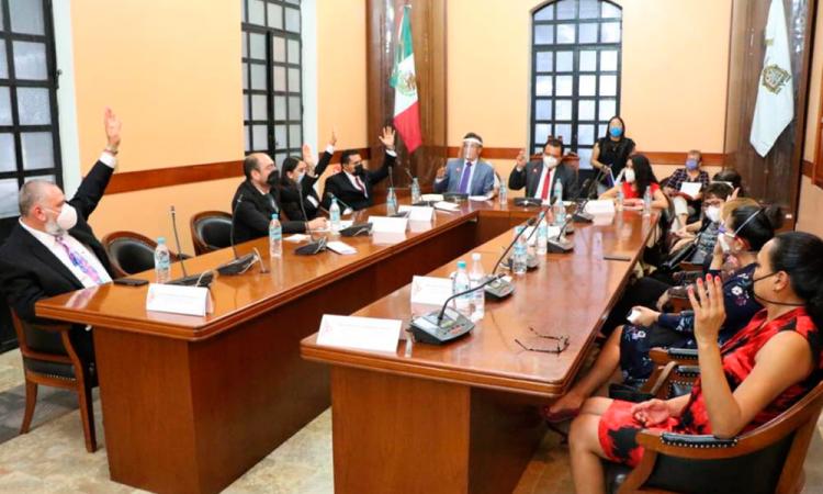 Aplica alcalde suplente de Tehuacán cambios en el Ayuntamiento