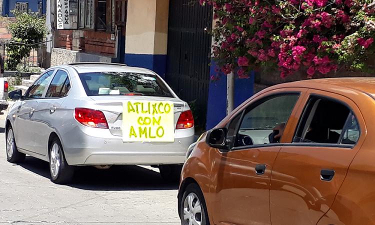 Domingo de caravanas a favor y en contra de AMLO en Atlixco