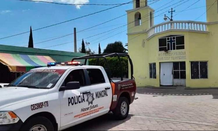 En medio de la pandemia, iglesia de Tecamachalco cierra sus puertas