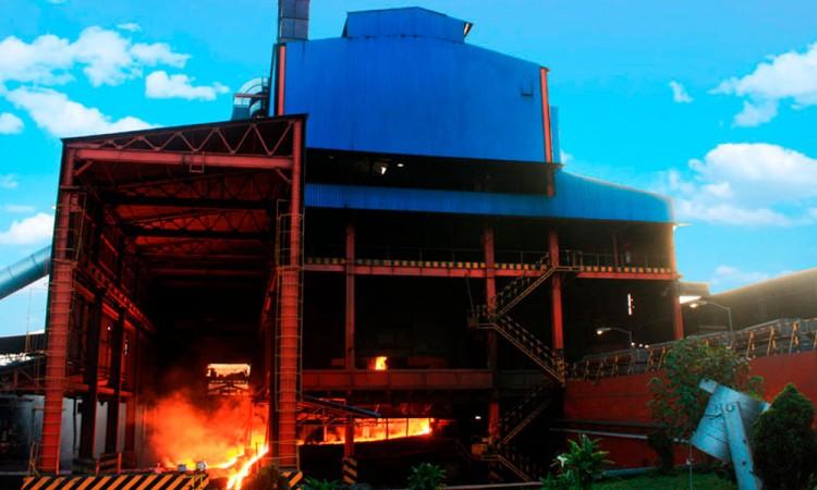Dan positivo por Covid-19, 85 obreros de Minera Autlán en Teziutlán