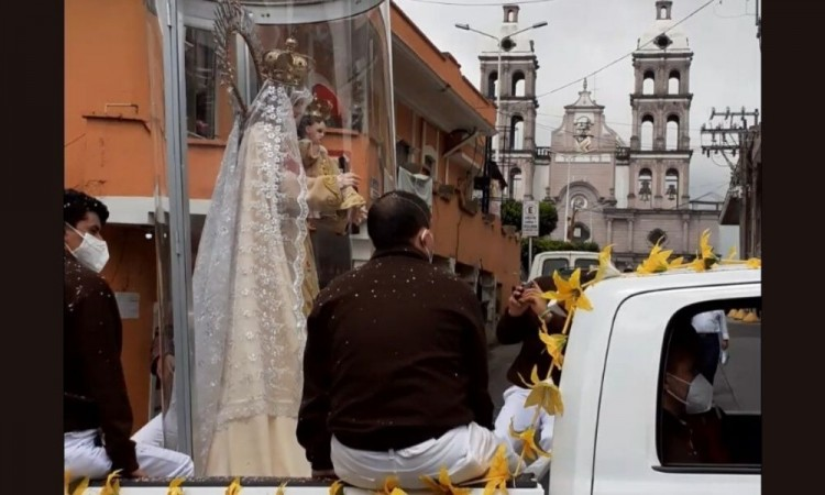 La imagen de La Virgen Carmelita fue trasladada al Hospital Covid como símbolo de fe para que los enfermos recuperen la
