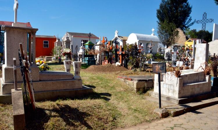 Buscarán construcción de nuevo panteón en San Pedro Cholula