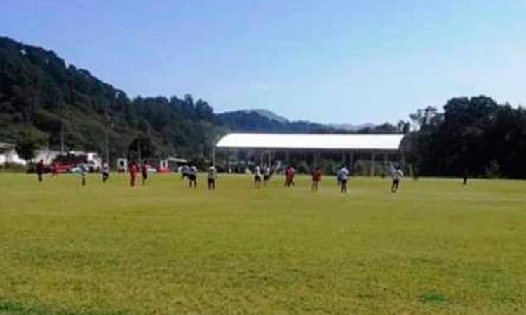 Pese a restricciones organizan torneos de fútbol en Huauchinango