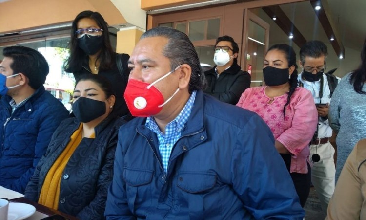 El dirigente cetemista indicó que cientos de trabajadores se han contagiado.