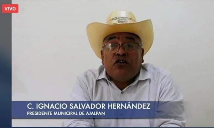 El edil de Ajalpan envió un saludo al gobernador del estado, Miguel Barbosa Huerta.