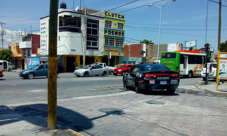 Continúan fraudes de supuestos gestores de Vivienda en Tecamachalco y 3 municipios