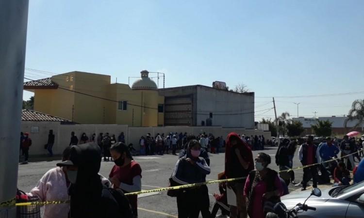 INE de Atlixco está saturado; atiende hasta 400 personas al día tras cierres por Covid