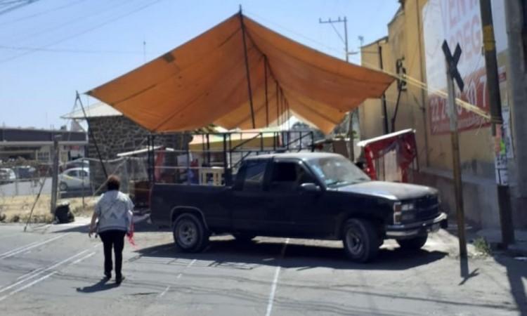 Amagan ambulantes de Texmelucan con instalarse en la calle Ferrocarril
