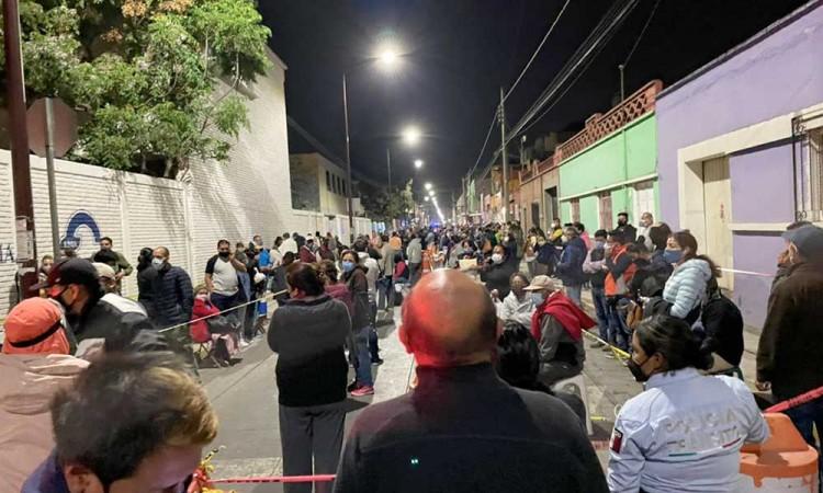 Falso registro de vacunación causa grandes aglomeraciones en San Pedro Cholula