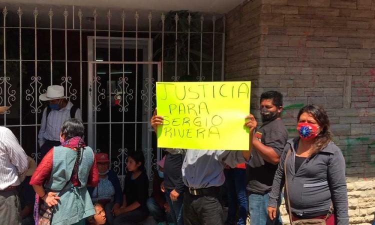 """""""Justicia para Sergio Rivera"""" Se manifiestan a más de dos años de la desaparición del activista"""