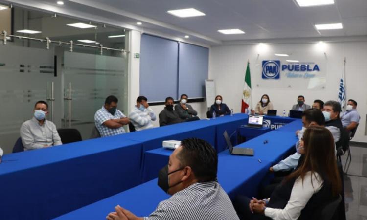 Cede Genoveva Huerta y hará consulta en San Andrés Cholula para elegir candidato