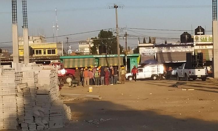 Trabajadores de la construcción paran las obras en el Mercado de Huejotzingo