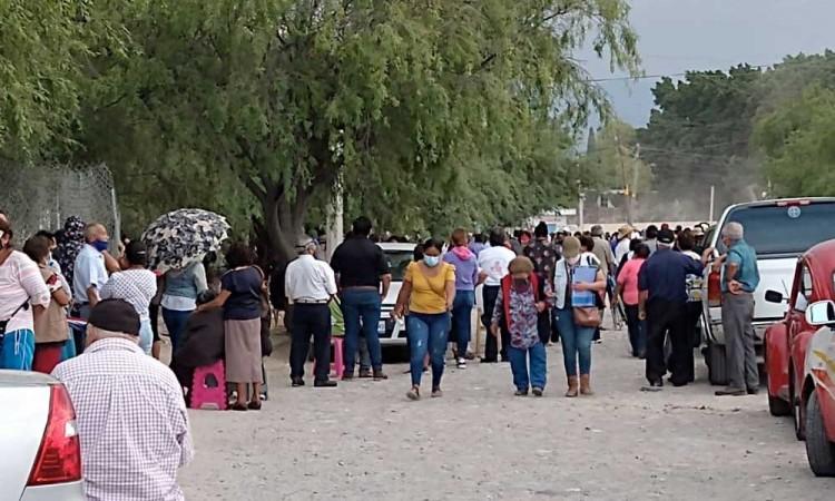 Se acaban las vacunas de segunda dosis en Tehuacán en primer día de vacunación