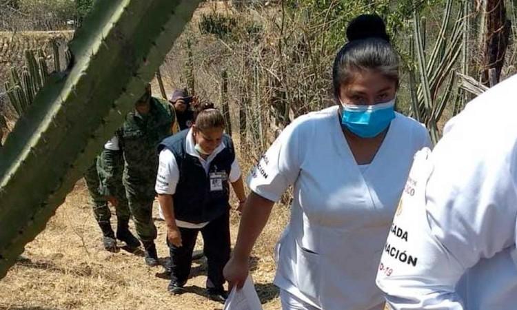 Llegan vacunas a hogares de adultos mayores en Xayacatlan de Bravo